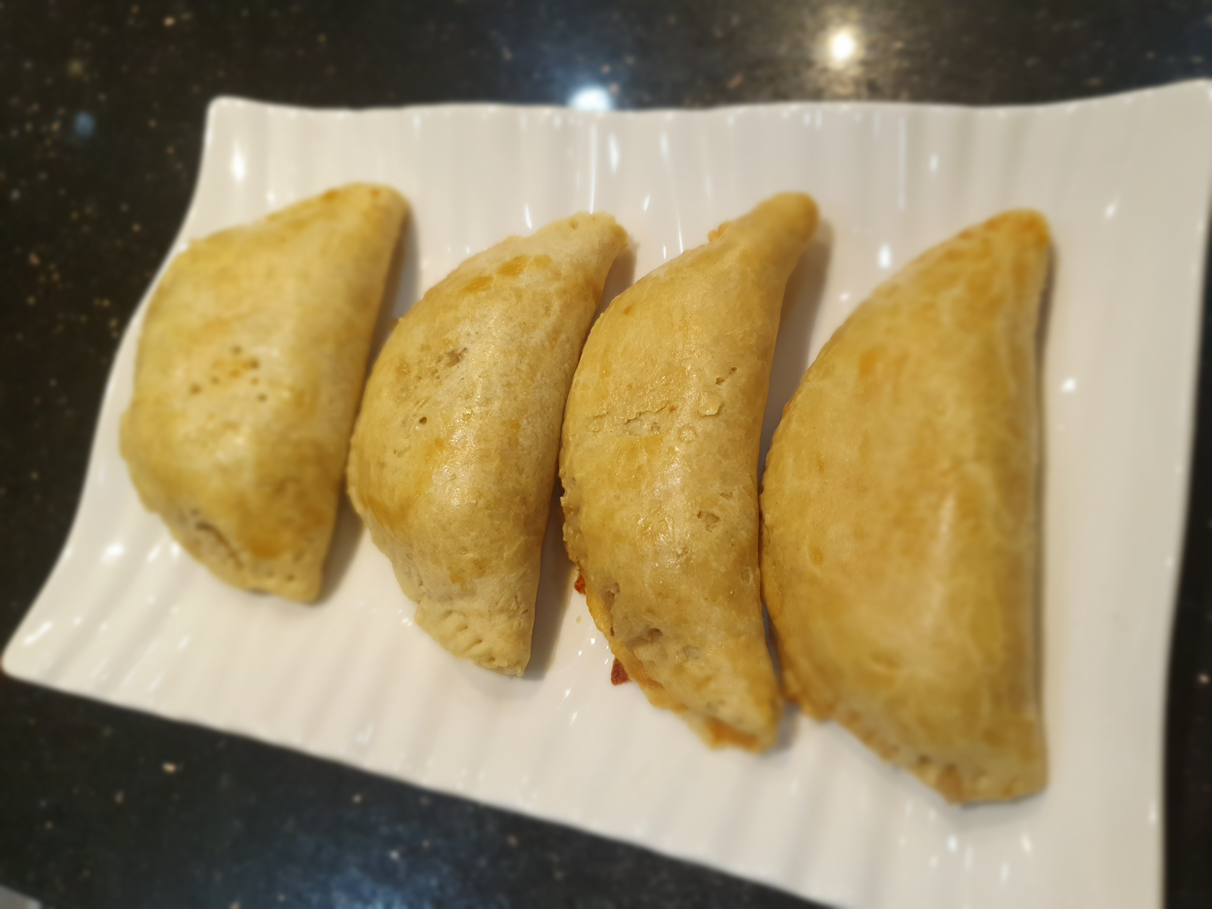 Easy treats to bake with the family : Meat pie